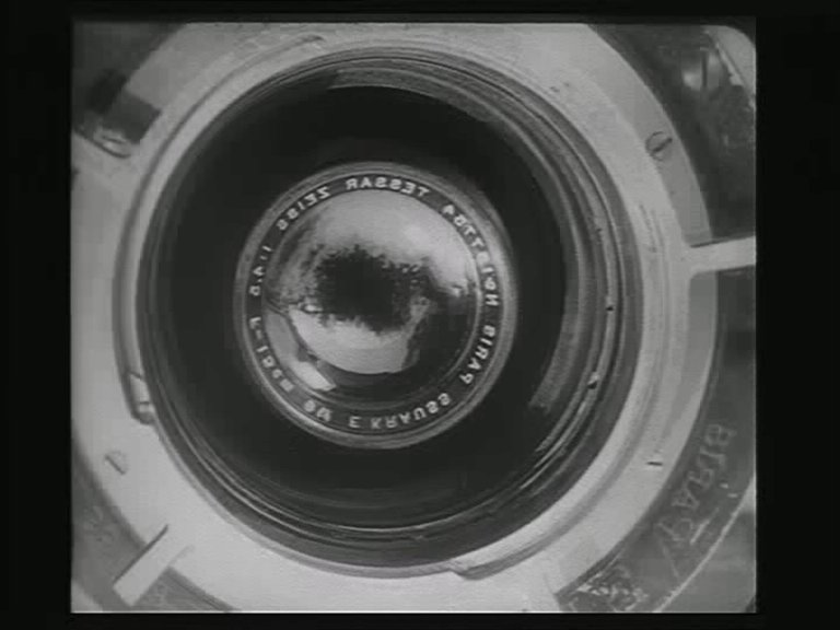 44 Vertov Dziga - L'Homme à la caméra