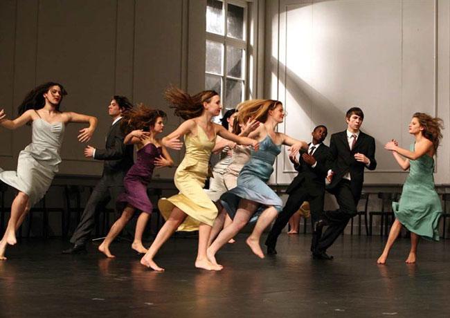 les-reves-dansants-sur-les-pas-de-pina-bausch-2