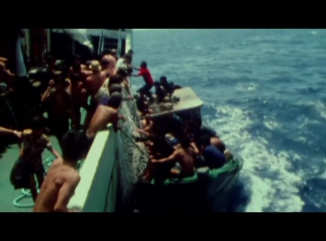 B COMME BOAT-PEOPLE