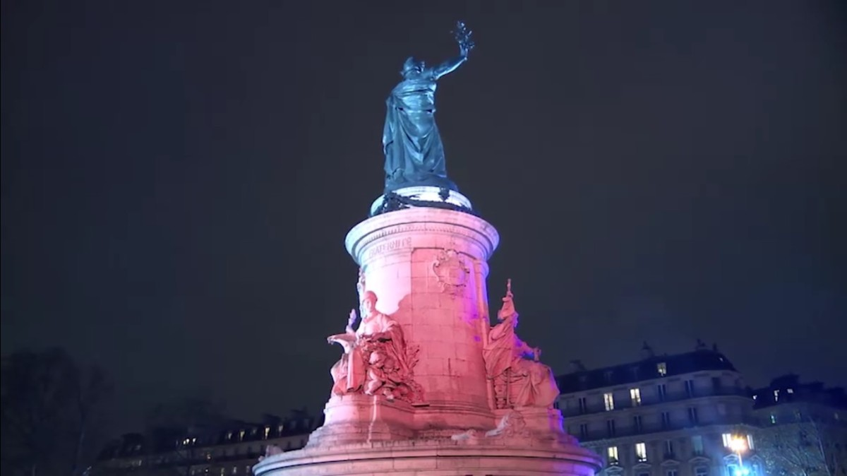 PLACE DE LA REPUBLIQUE – Série.