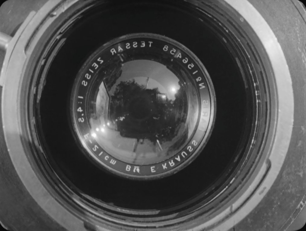 V COMME VERTOV –Caméra.